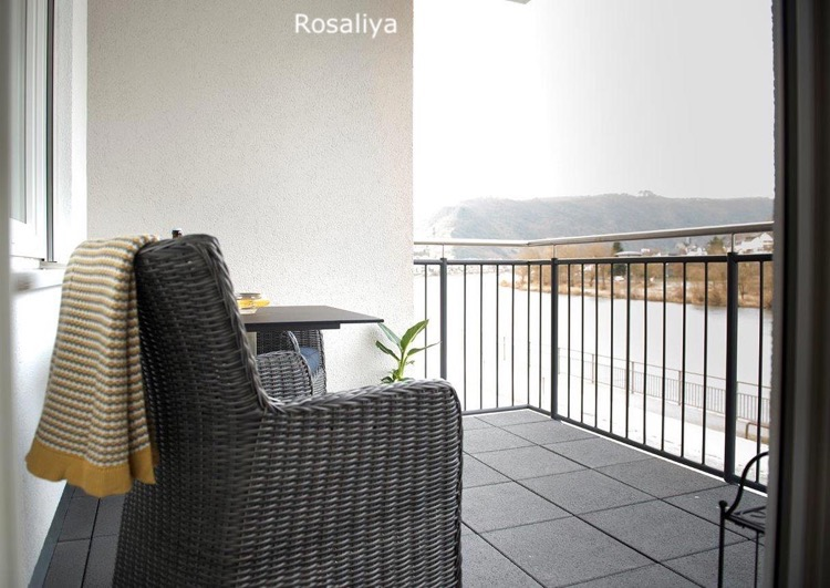 Mosel-Suiten-Rosaliya