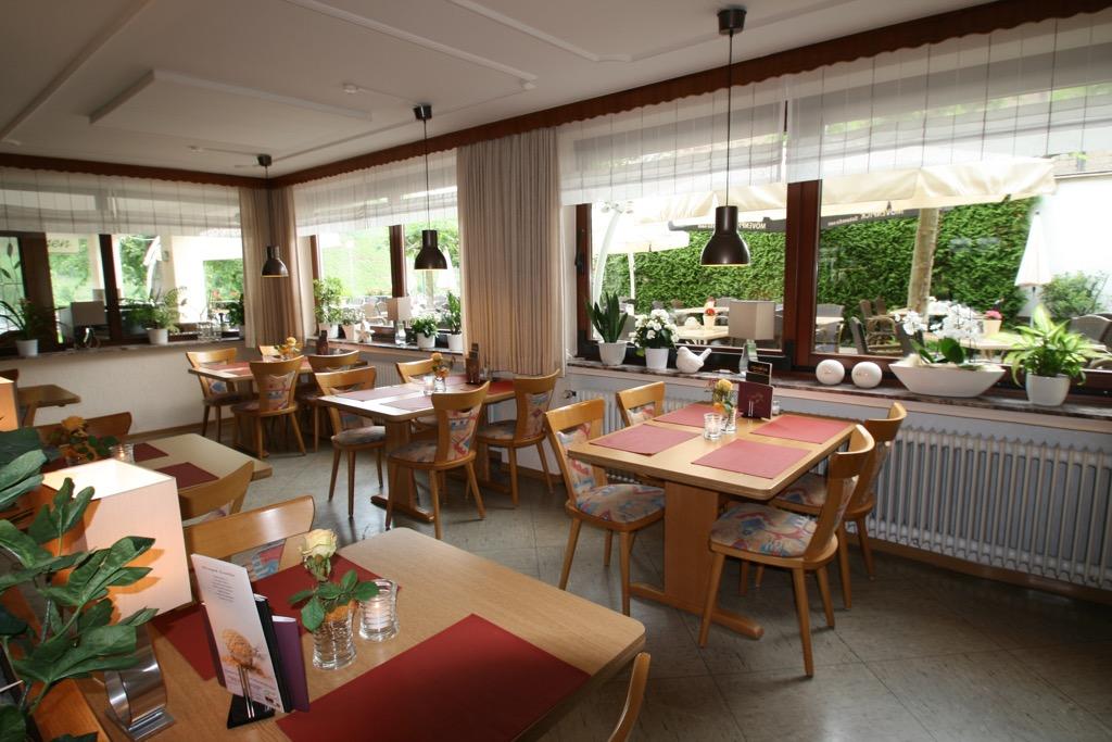 Ontbijtruimte hotel Berg in Bremm
