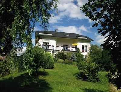 Hoofdgebouw vakantiewoningen Bernd Hemes in Kröv