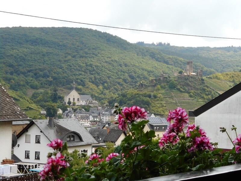 Ellenz-Poltersdorf-balkon-uitzicht