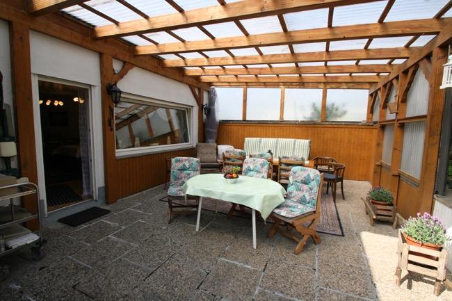 gemeenschappelijk terras Gästehaus Könen-Klaus