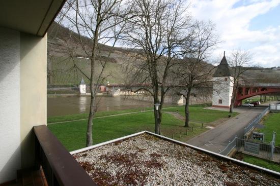 Hotel Krone Riesling uitzicht op de Moezel in Trittenheim