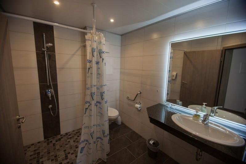 Appartementkamer badkamer geschikt voor rolstoel