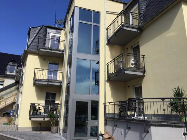 Pand met appartementkamers van Weinhaus Lenz