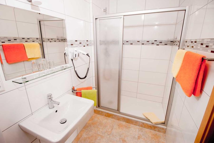 nieuwe badkamers hotel moselblick burg