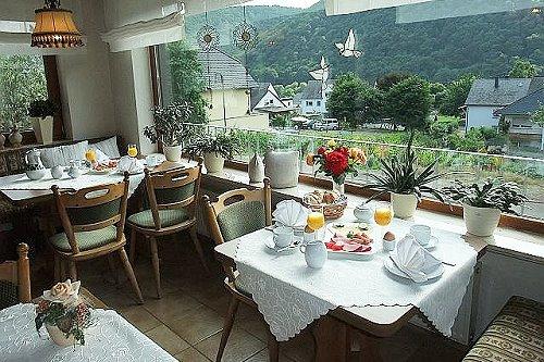 Ontbijt vakantiewoning Serwazi in Mesenich