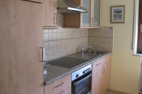 keuken met oven vakantiewoning Serwazi