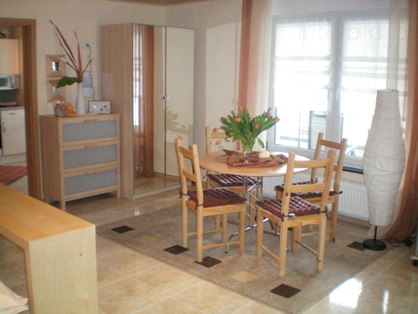 eethoek appartement weiss