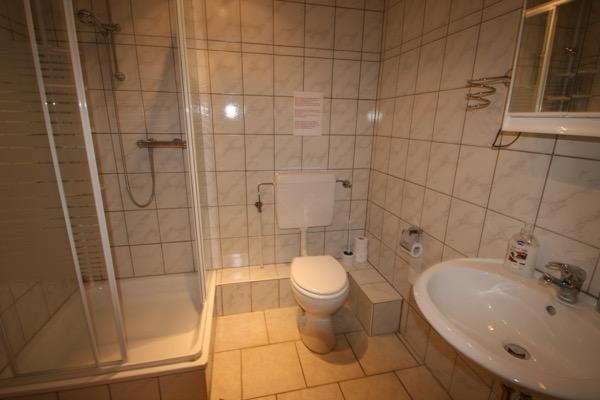 1 van de badkamers in de vakantiewoning